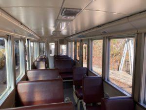 トロッコ電車の内部